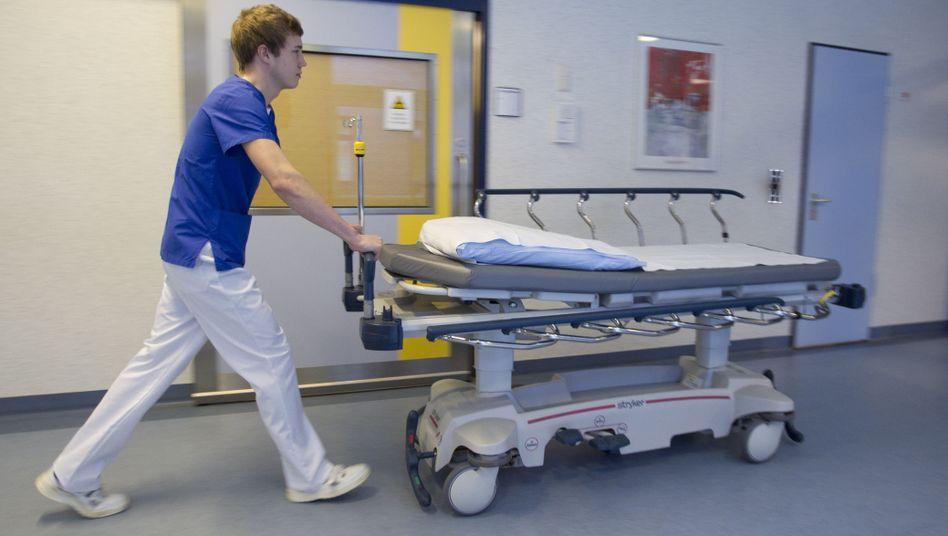 Deutsches Krankenhaus: Angeblich werden Patienten zu spät entlassen