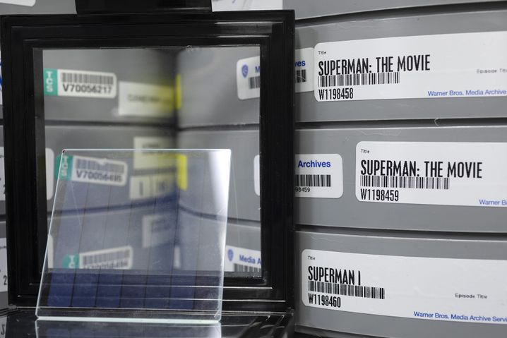 Der komplette Superman-Film von 1978 auf einer Glasscheibe