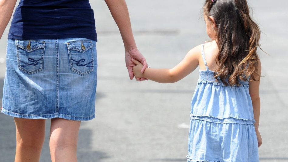 Frau mit Kind: Fakten sprechen gegen das Betreuungsgeld