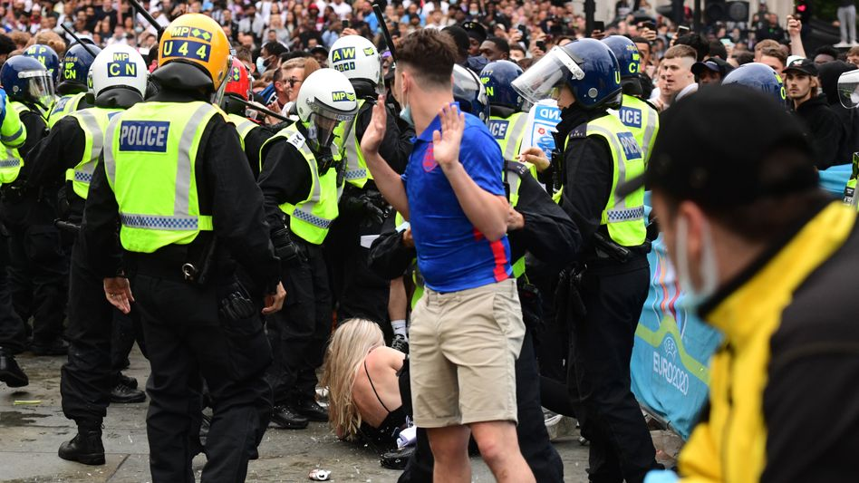 In London kam es rund um das EM-Finalspiel zu chaotischen Szenen und teilweise aggressivem Verhalten