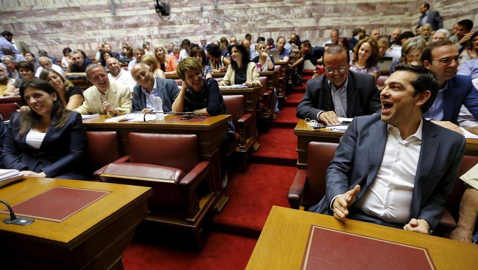 Griechisches Reformvotum: Gesicht gewahrt, Partei gespalten