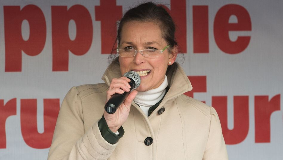 Pegida-Frau Festerling in Dresden (Archivbild): Verfahren wegen Volksverhetzung
