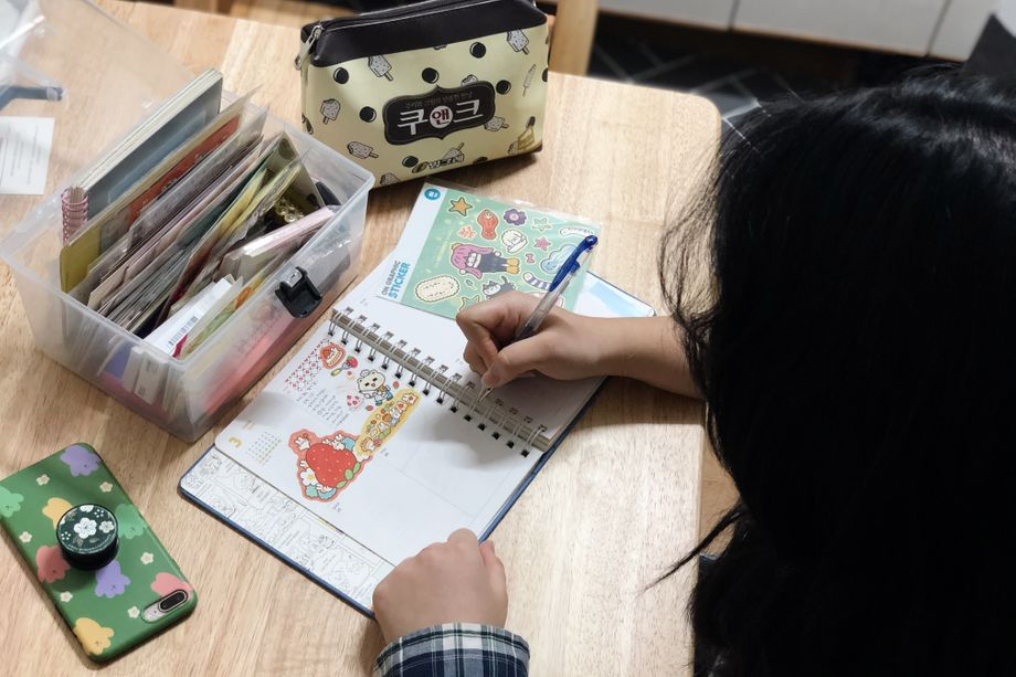 Cho Soojung used to struggle to fill her days. Now she does yoga, cooks and decorates her planner.