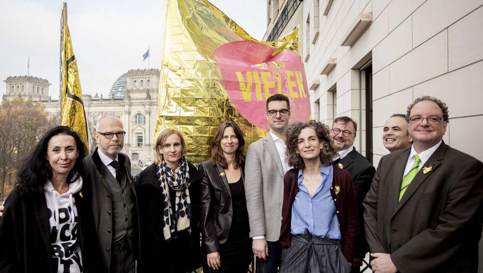 """Unterzeichner der """"Erklärung der Vielen"""" in Berlin"""