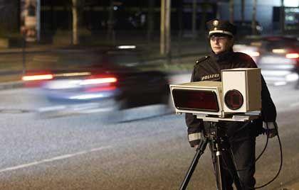 Polizistin in Hamburg mit Kennzeichen-Lesegerät: Verdeckte Datensammlung ohne konkreten Verdachtsmoment