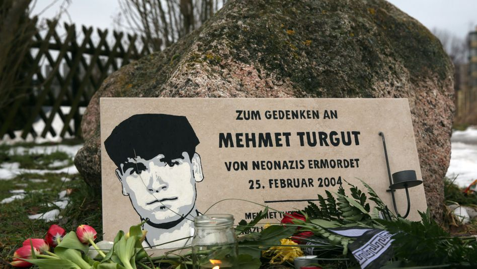Gedenkstein für Mehmet Turgut in Rostock: Er starb im Februar 2004