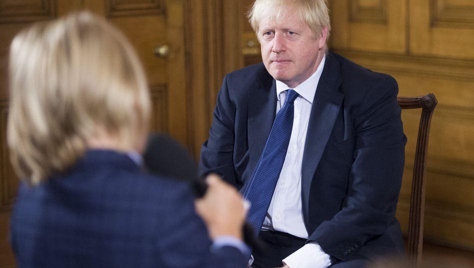 Boris Johnson wirft Gegnern des No-Deal-Brexit vor, seine Position in Brüssel zu schwächen