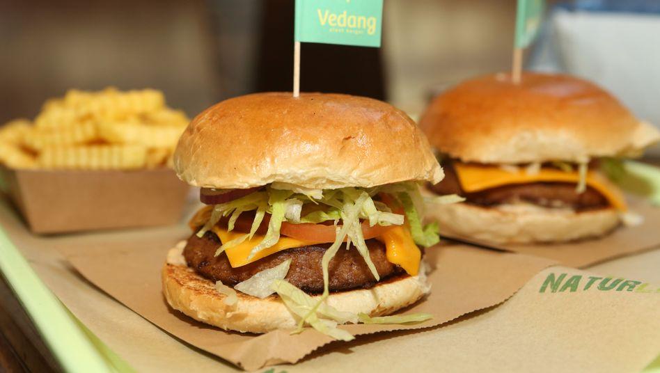 Beyond Burgers: Erbsenproteine, Kartoffelstärke, Kokosnussöl - und Aromastoffe