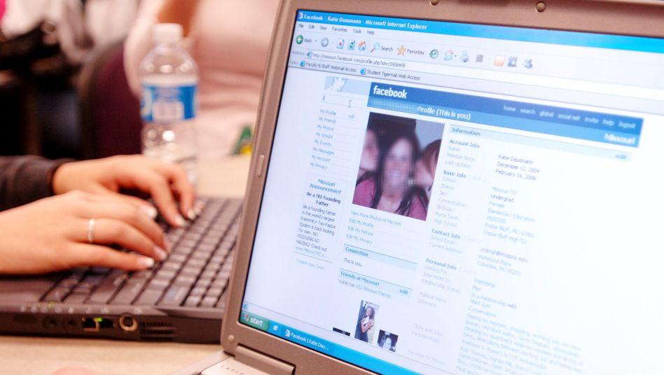Schüler mit Facebook-Account: Eine Schule in den USA will facebookfrei werden