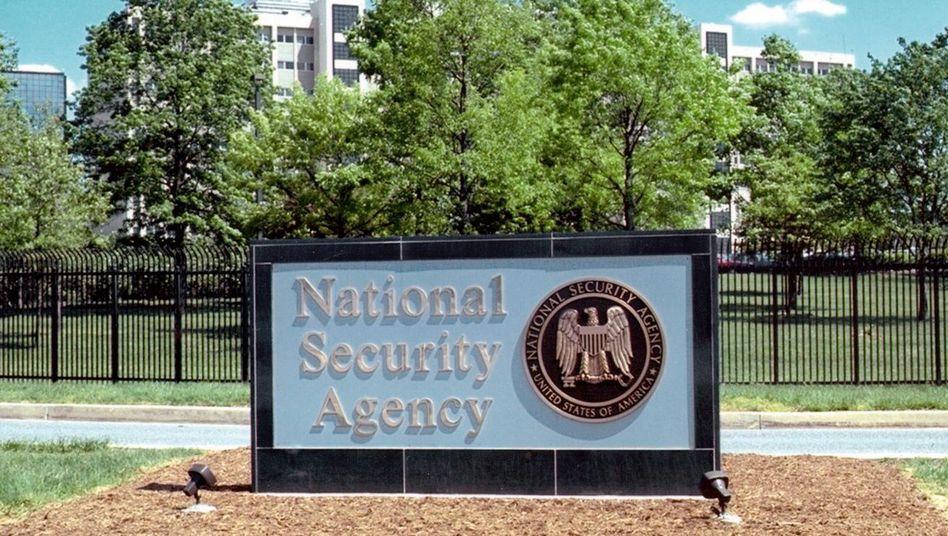NSA-Hauptquartier: Wie oft müssen die Konzerne Daten liefern?