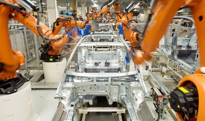 Vernetzte Roboter in der Autoproduktion sind ein großes Risiko