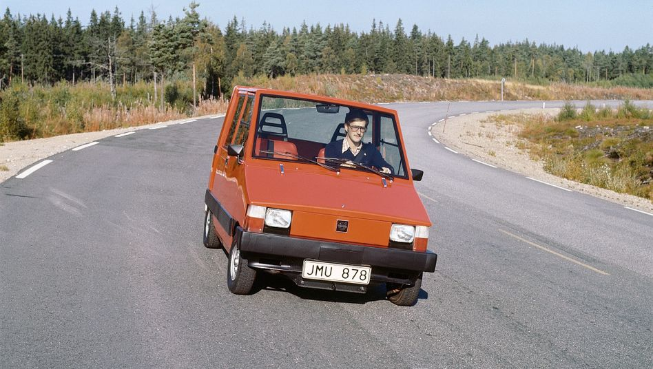Quadratisch, elektrisch, simpel - das Volvo Elbil war 1976 der erste Versuch des schwedischen Herstellers auf dem Gebiet der Elektromobilität.