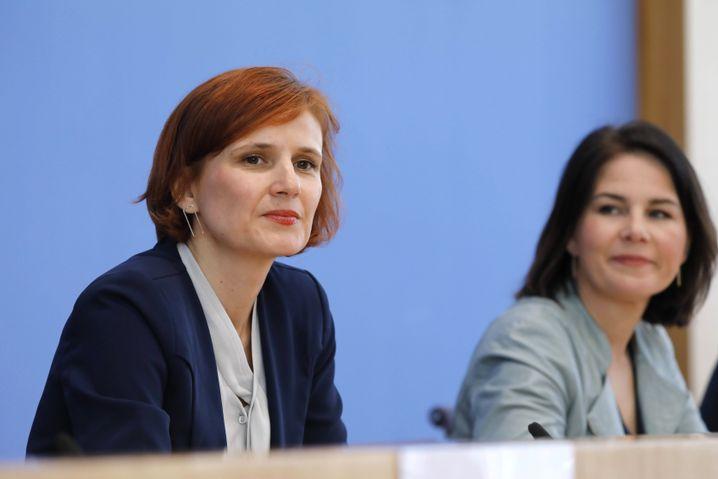 Ex-Linken-Chefin Katja Kipping, Annalena Baerbock bei einem Auftritt in der Bundespressekonferenz 2019