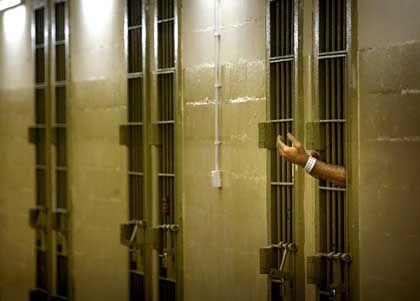Gefangene in Abu Ghureib: Auch im Irak sollten die Gefangenen eigentlich nach der Genfer Konvention behandelt werden