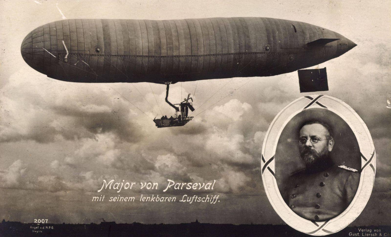 Major August von Parseval mit seinem lenkbaren Luftschiff Zeppelin NPG 2007 AUFNAHMEDATUM GESCHÄT