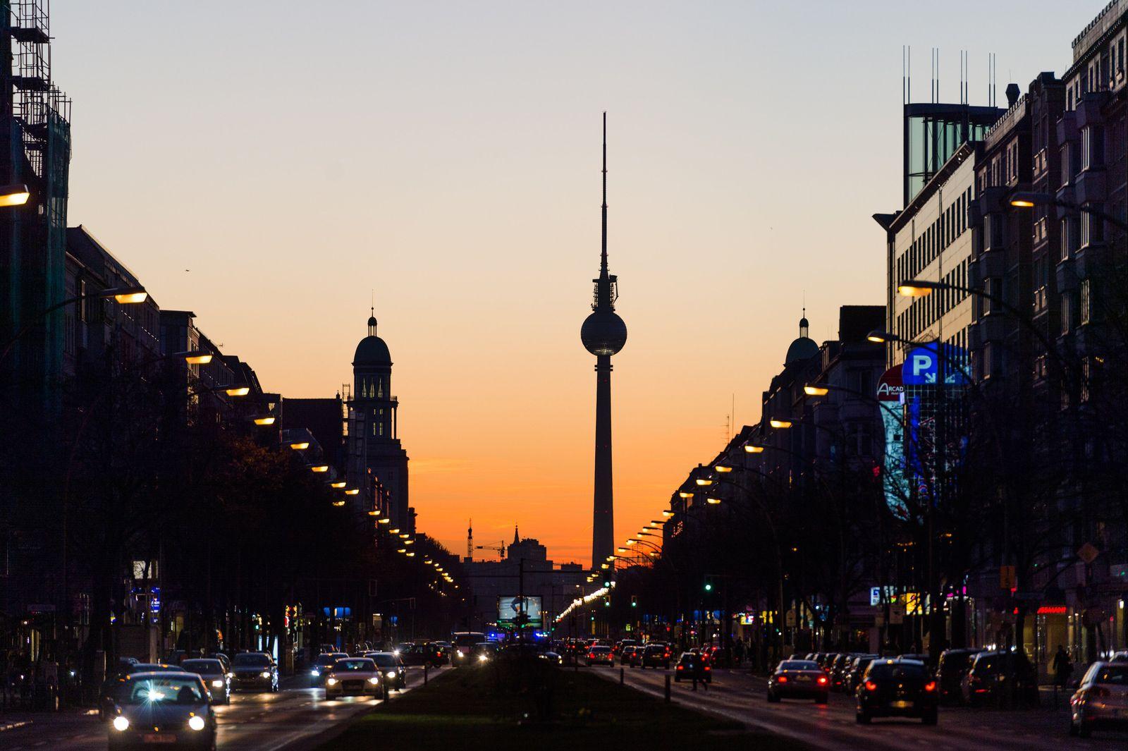 Fernsehturm bei Sonnenuntergang