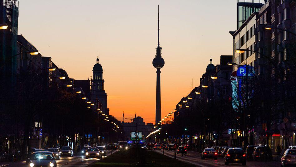 Blick auf den Fernsehturm in Berlin