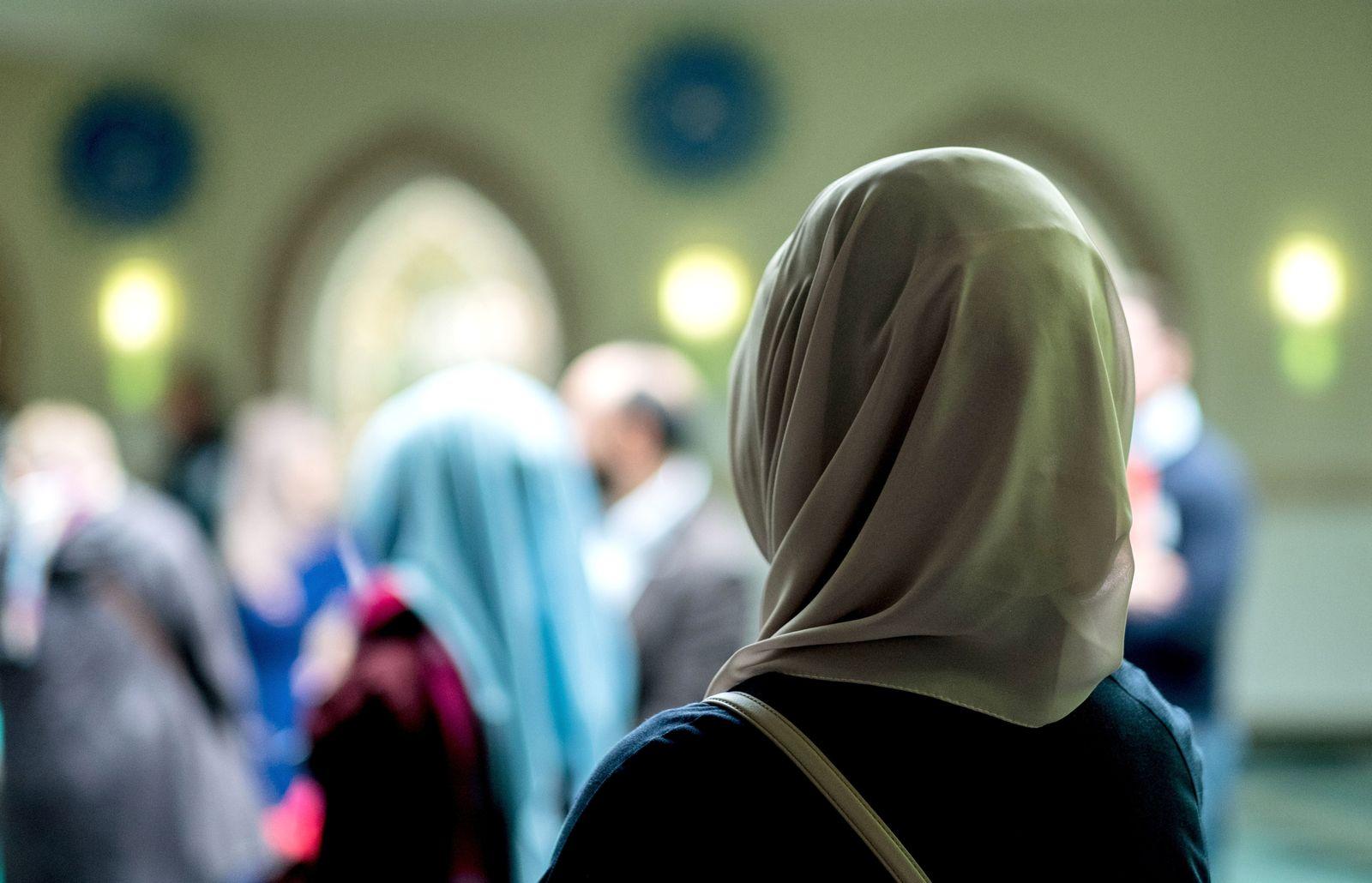 Kopftuch / Moschee