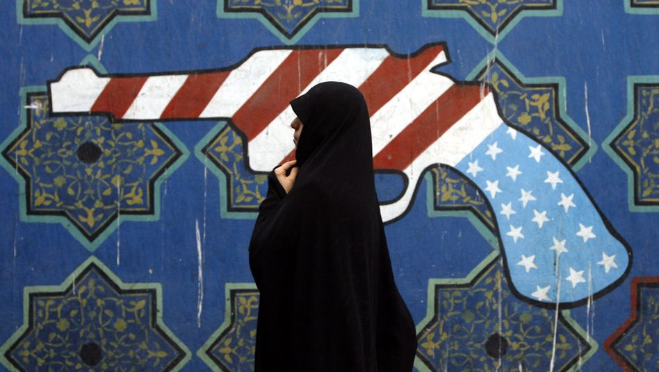 Iranerin in Teheran: Harte Sanktionen der USA geplant