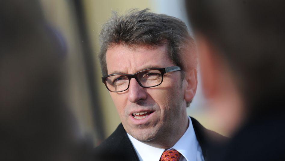 CSU-Politiker Schmid: Lukrativer Job für seine Frau auf Steuerzahlerkosten