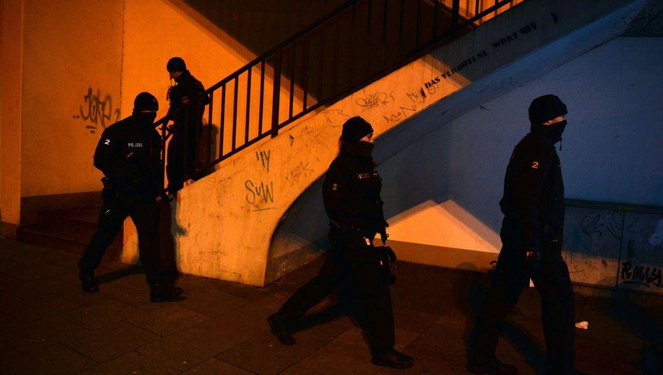 Spezialkräfte beim Einsatz im Februar 2015 in Bremen: Déjà-vu bei der Polizei