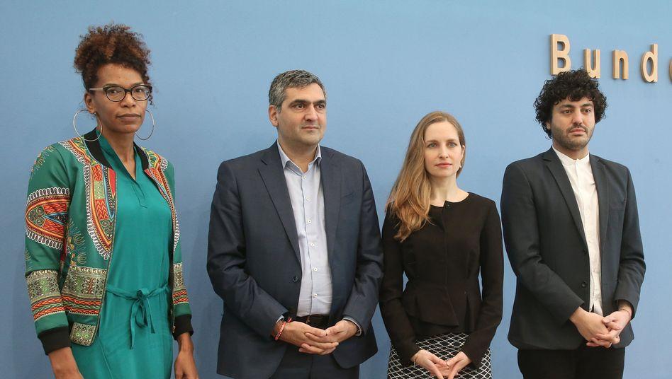 Saraya Gomis, Farhad Dilmaghani, Marta Neüff, Cihan Sinanoglu (v.l.n.r.):