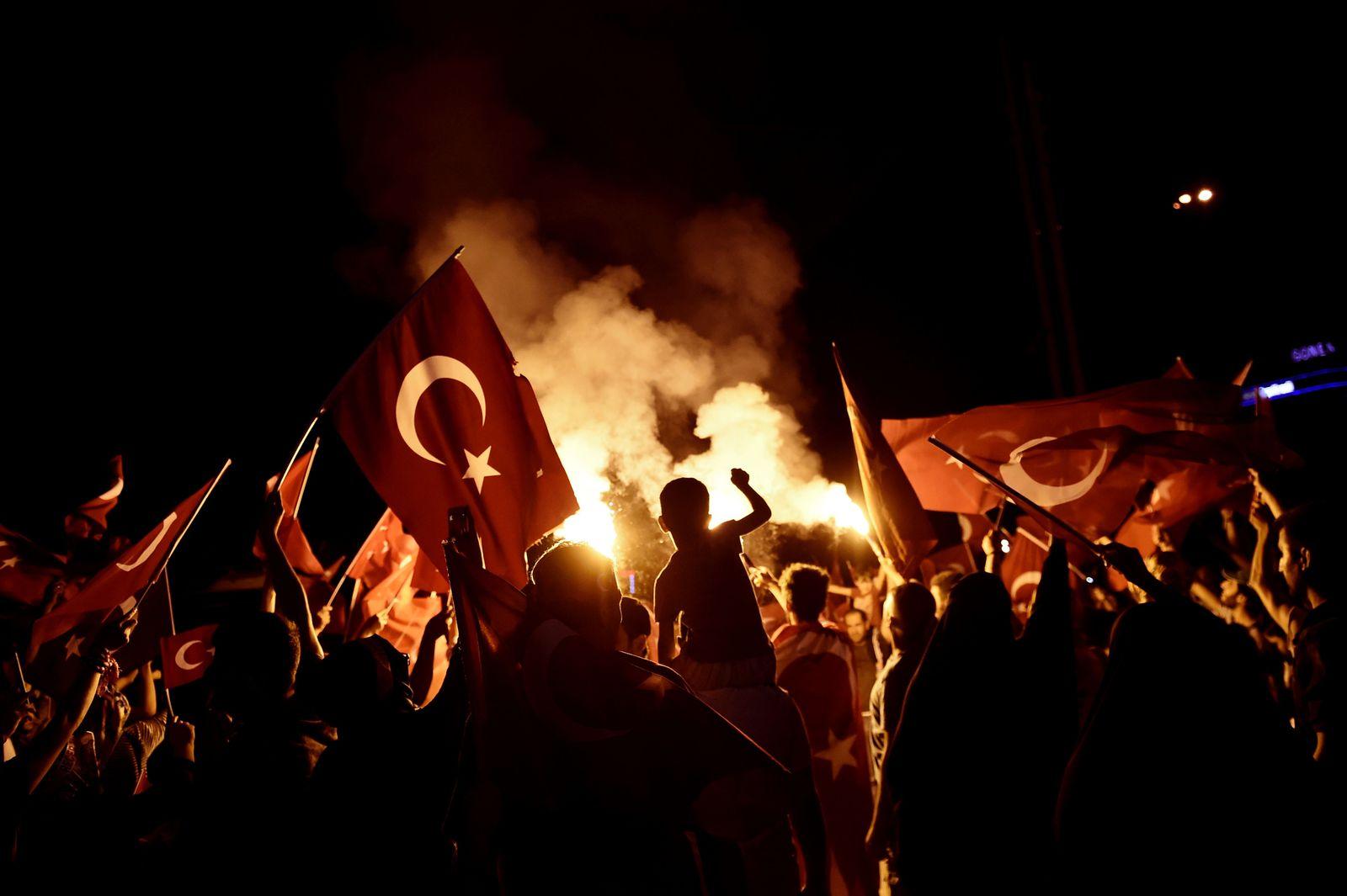 Türkei / Pro-Erdogan Bekundung nach Putschversuch