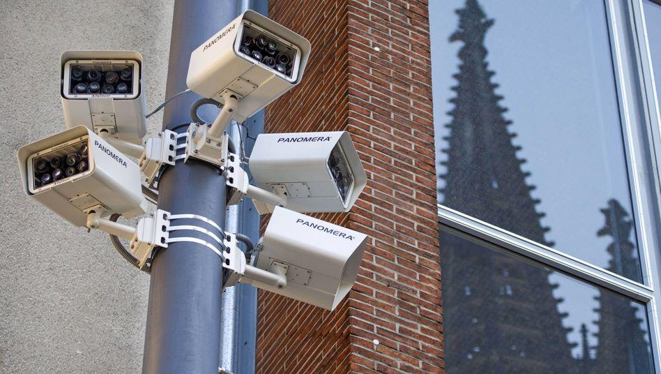 Videoüberwachung der Polizei am Kölner Hauptbahnhof