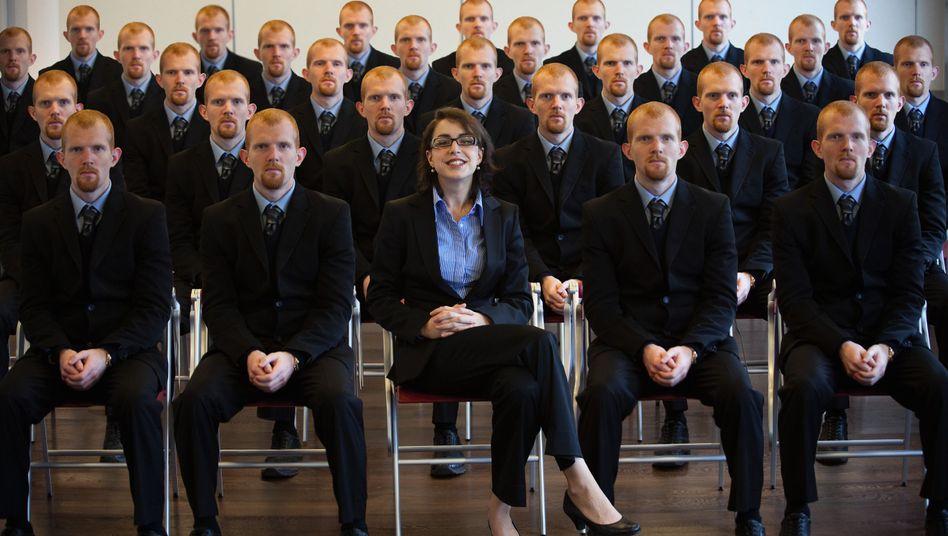 Typisch deutsche Uni: Viele Männer, eine Frau
