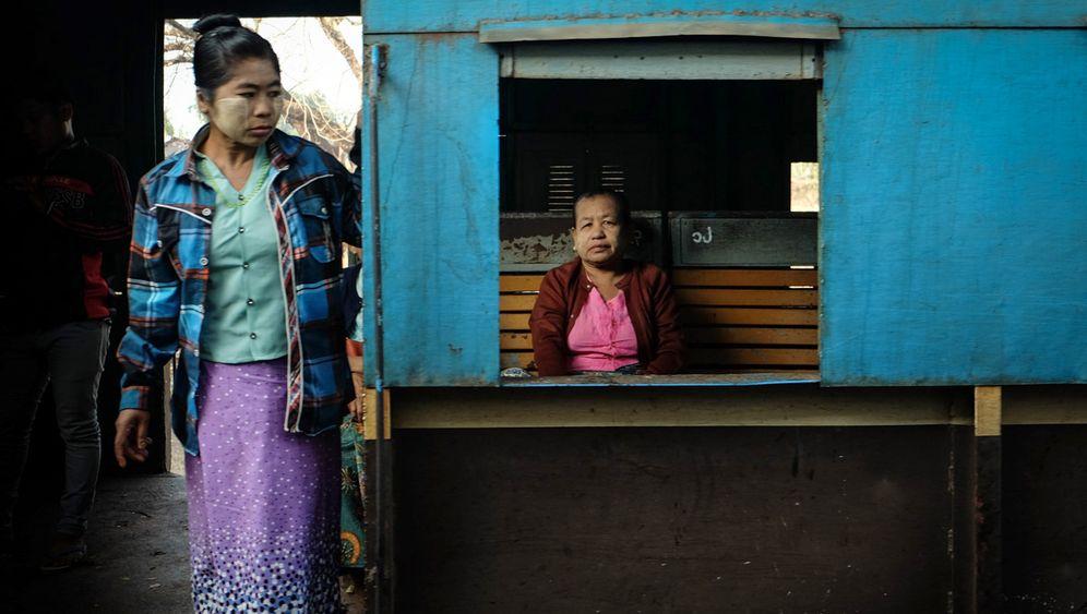 Per Zug durch Burmas Süden: Im Rhythmus der Schienen