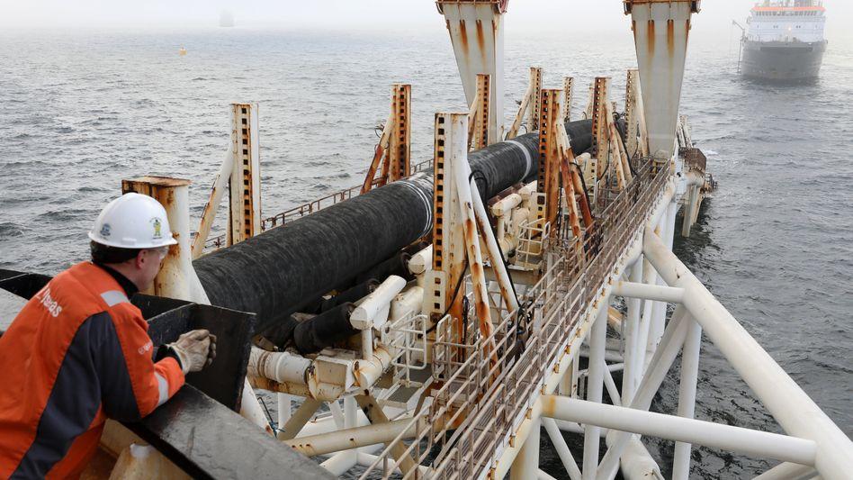 Das Verlegeschiff »Audacia« des Offshore-Dienstleisters Allseas verlegte in der Ostsee die Rohre der Pipeline Nord Stream 2