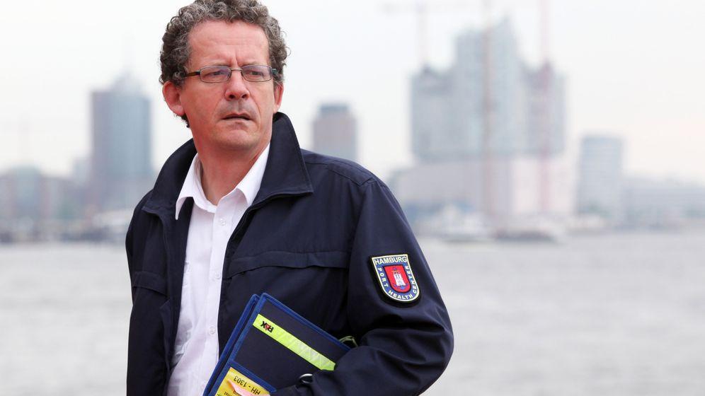 Hafenarzt bei der Arbeit: Schippernde Gesundheitswächter