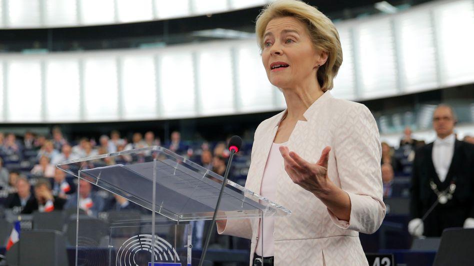 Ursula von der Leyen bei ihrer Bewerbungsrede im EU-Parlament im Juli 2019: Großes Versprechen relativiert