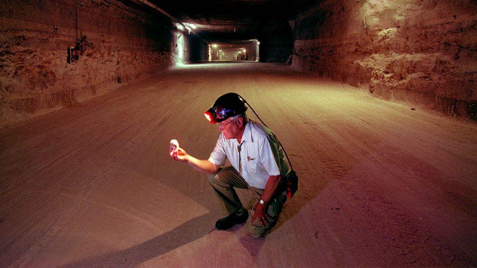 Wissenschaftler suchen nach dem besten Untergrund für den Atommüll: Dabei spielt vor allem eine Rolle, wie dicht das Wirtsgestein ist.