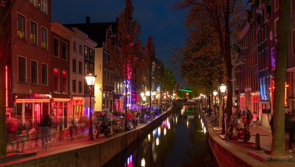 Rotlichtviertel in Amsterdam: Bald könnten hier die Vorhänge zugezogen werden
