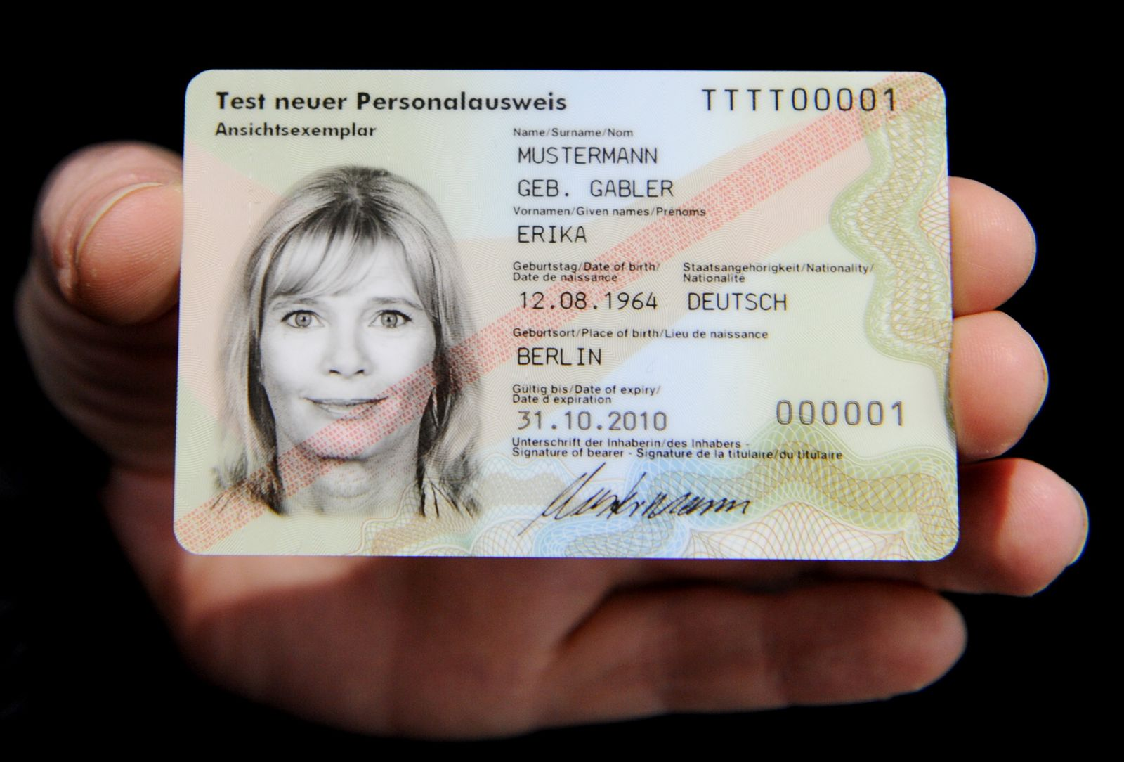 CeBIT 2010 - neuer Personalausweis