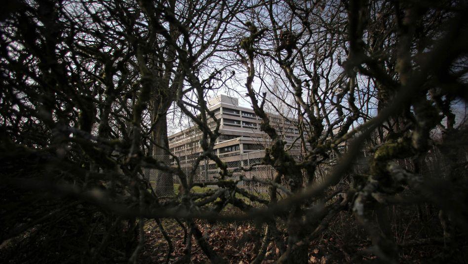 BKA-Zentrale in Wiesbaden: Wo nicht aufgeklärt wird, kommen immer neue Fragen