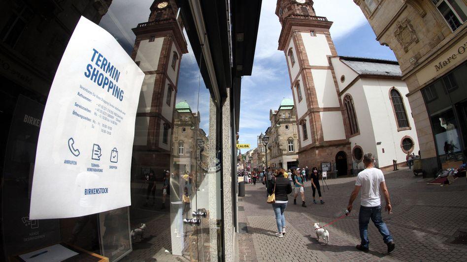 Hinweis auf Terminshopping in Heidelberg: Der private Konsum brach insgesamt um 5,4 Prozent ein