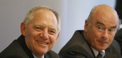 Minister Schäuble (l.), Kollege Schönbohm: Kritik an Nicht-Entscheidungen