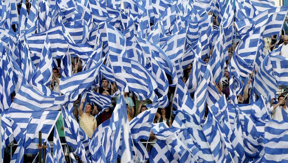 Griechische Demonstranten: Dem Staat gehen große Mangen Steuereinnahmen flöten