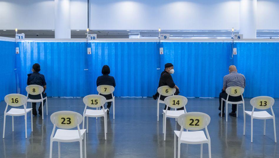 Impfzentrum in Hongkong: China hat bisher vier Covid-19-Vakzinen zugelassen