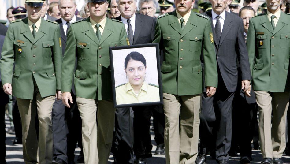 Trauerzug für Kiesewetter (April 2007): Wohl kein Mord unter den Augen des Gesetzes