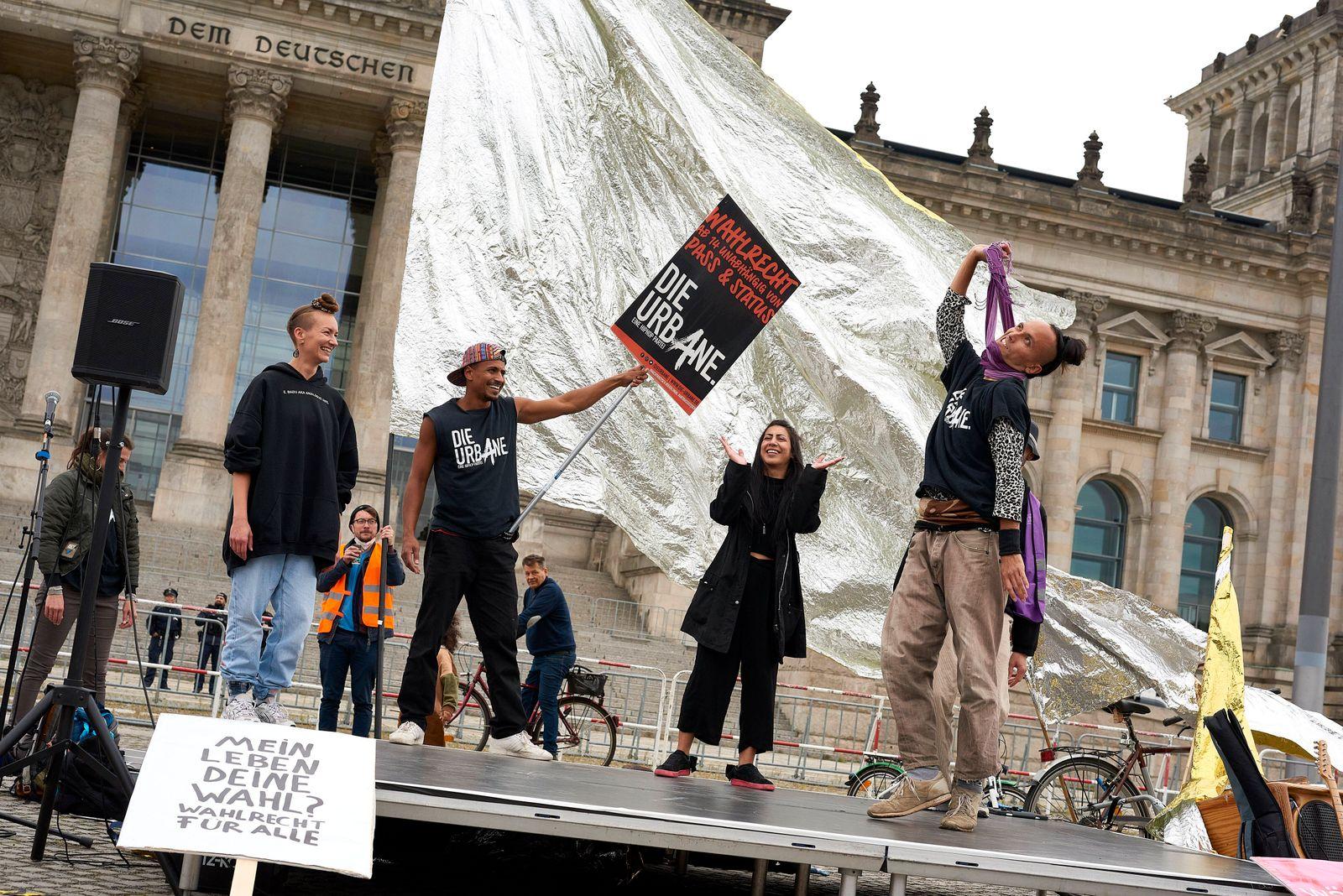 Die Urbane - HipHop Partei Deutschland, Berlin: Raphael Moussa Hillebrand, Bundesvorsitzender der Partei Die Urbane - e