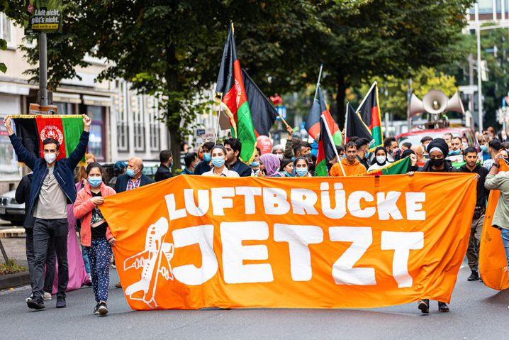 Eine Demonstration des Bündnis »Seebrücke« in Hannover