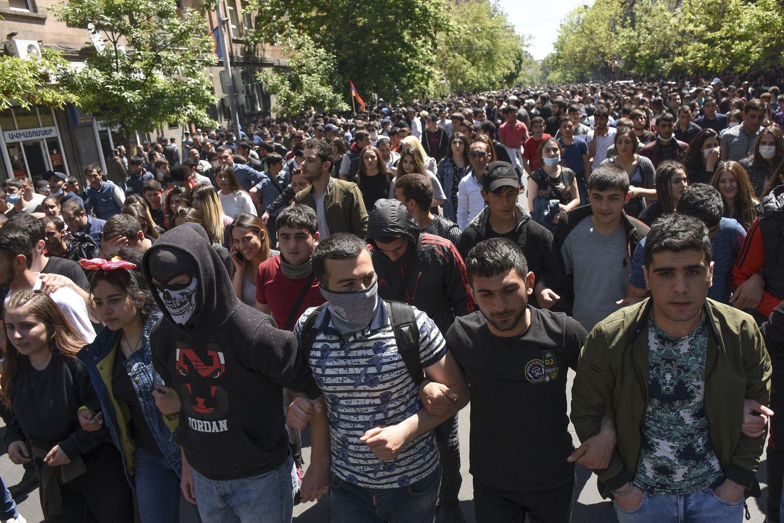Unruhen vor Ministerpräsidentenwahl in Armenien