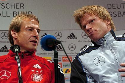 Nationaltrainer Klinsmann, Torwart Kahn: Angriffsmäßig etwas einfallen lassen