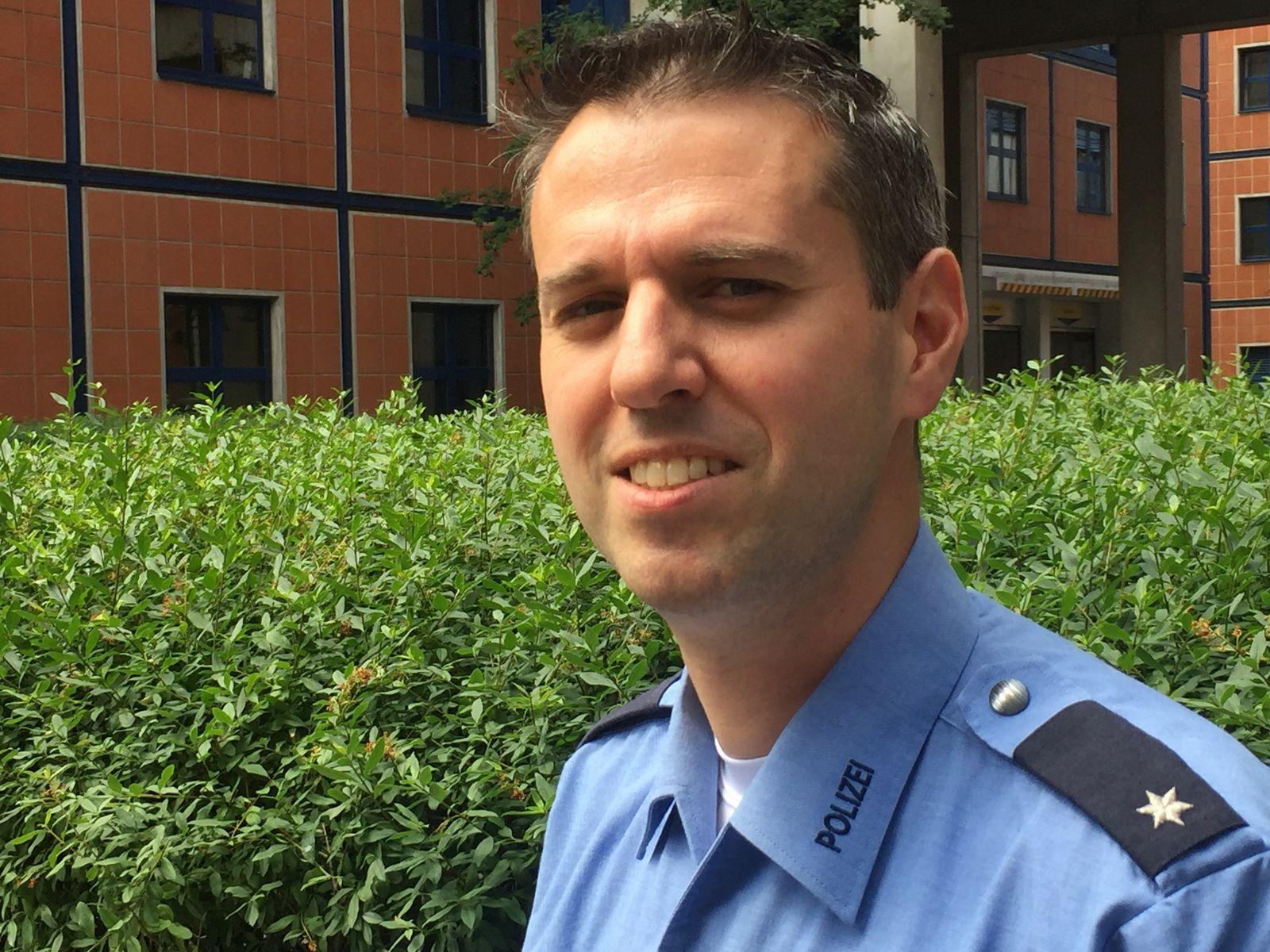 Boris Novak/ Polizeibeamter