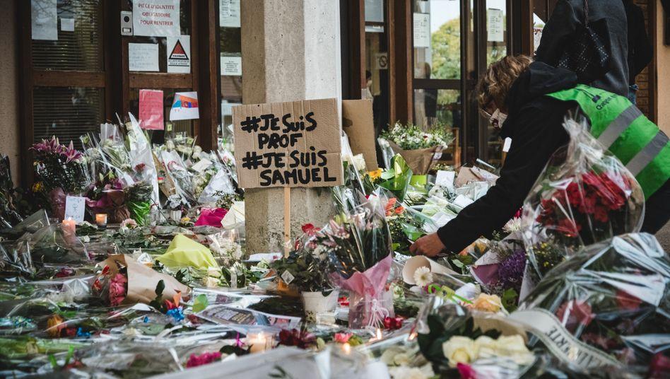 Gedenken an den ermordeten Lehrer Samuel Paty in Conflans-Sainte-Honorine, Frankreich, 17. Oktober 2020