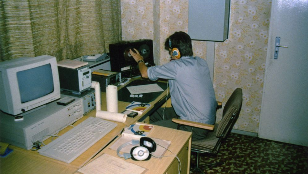 Erstmals veröffentlichte Telefonmitschnitte: Wie die Stasi DDR-Bürger belauschte