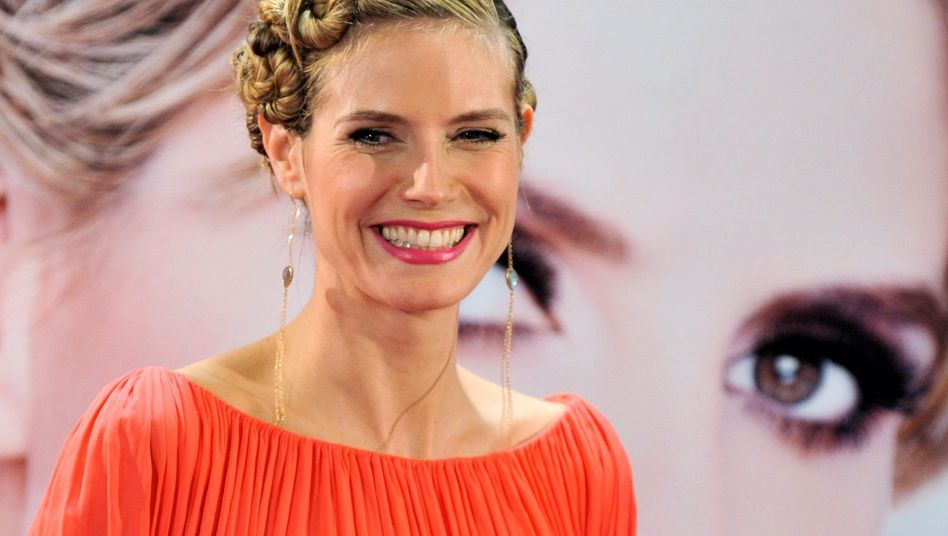 """Heidi Klum in der neuen """"Topmodel""""-Staffel: ein Lächeln wie aus Stahl gegossen"""